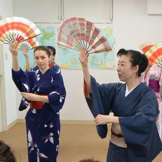 東京育英日本語學院-踊り